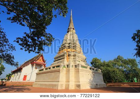 stupa and temple at prod sat