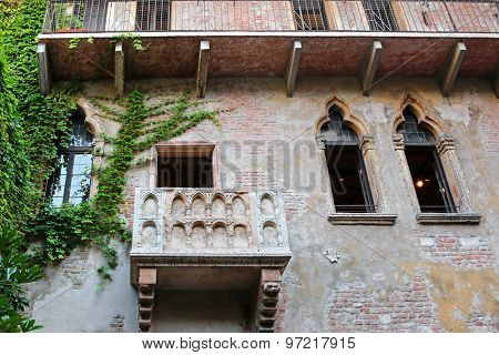 VERONA, ITALY - SEPTEMBER 13, 2014: Balcony of the Julieta's House (Casa di Giulietta) where Romeo declared his love in Verona, Italy on September 13, 2014. Romeo & Juliet is written by William Shakespeare