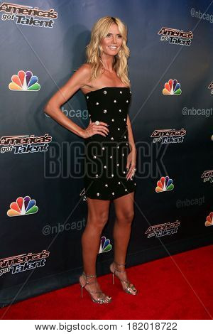 NEW YORK-AUG 19: Model Heidi Klum attends the 'America's Got Talent' Season 10 Results Show at Radio City Music Hall on August 19, 2015 in New York City.