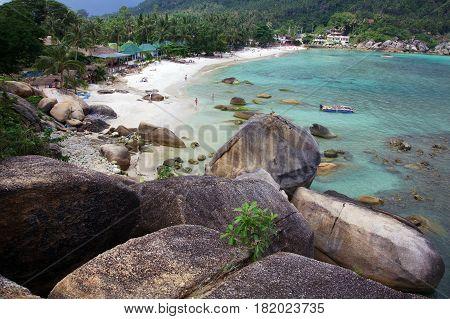 Huge cobblestones in the sea bay on the island of Koh Samui