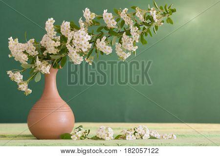 еру иуфгешагд ыtill life with white flowers