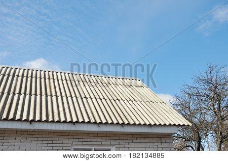 Asbestos Roof. Roof repair. Asbestos Roof removal