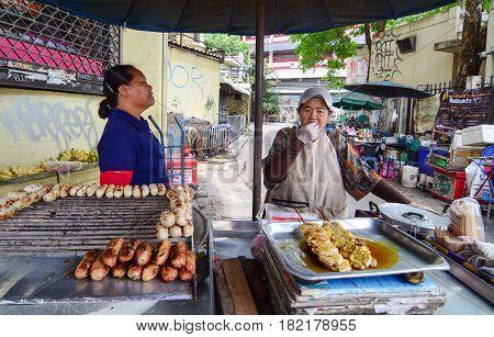 Vendors Sell Traditional Thai Food