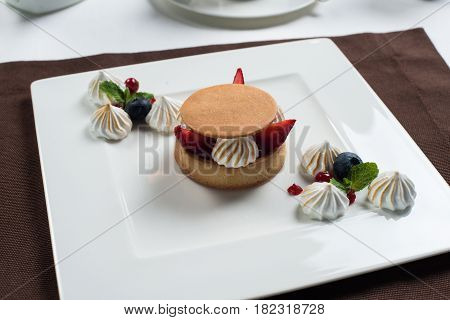 cake with marshmallows decorated with fruits, decorated with fruits, marshmallows and cheesecake