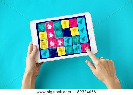 Puzzle Jigsaw Spaceship Diamond Matching Game