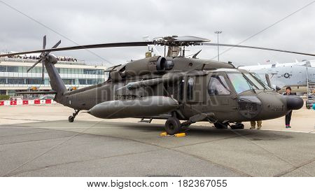 Sikorsky Uh-60 Black Hawk Helicopter