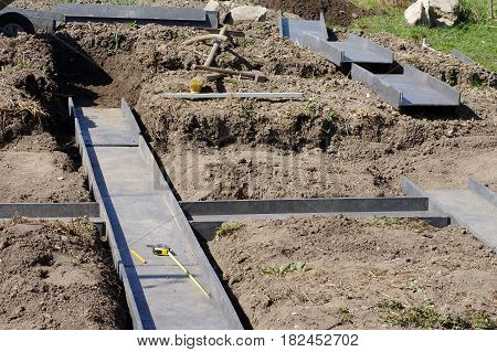 building modern plastic raised garden vegetable bed