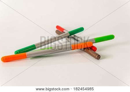 Marker pens red green orange and brown set color highlighters school tools