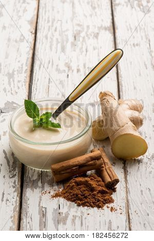 cinnamon and ginger yogurt