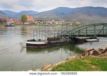 Ferry station over the Danube river between the villages of Sankt Lorenz and Weissenkirchen-in-der-Wachau. The Wachau Valley, Lower Austria.