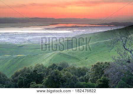 Dramatic San Francisco Bay Area Sunset. Ed Levin County Park, Santa Clara County, California, USA.