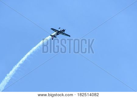 Pete Mcleod Of Canada Performs During Red Bull Air Race