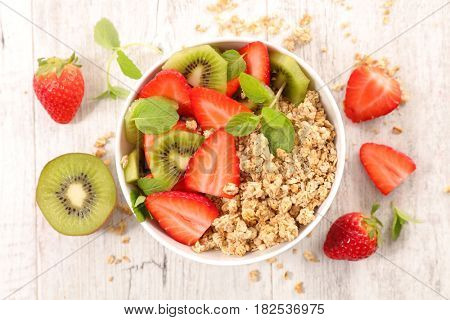 bowl of muesli and fruits