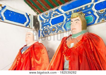Hebei, China - Oct 13 2015: Statues Of Ma Dai And Ma Chao At Sanyi Temple. A Famous Historic Site In