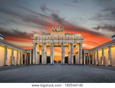 Brandenburger Tor (brandenburg Gate) At Sunset, Berlin, Germany