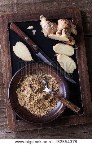 Ground Ginger And Fresh Ginger Root