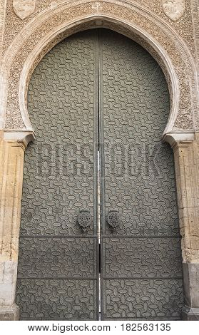 Cordoba (Andalucia Spain): door in Arabian style of the mezquita catedral