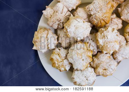 Cream Puffs Filled With Pastry Cream And Sprinkled With Powdered Sugar Catering
