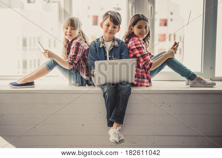 Kids With Gadget