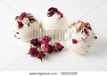 Bomb Salt Bath Decorated With Dried Roses