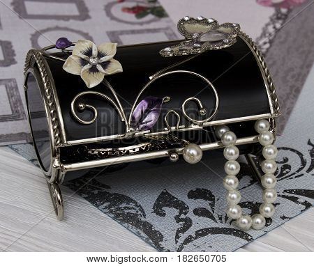 black box with lace top full shine luxury bijou earrings, beads and other lady's things