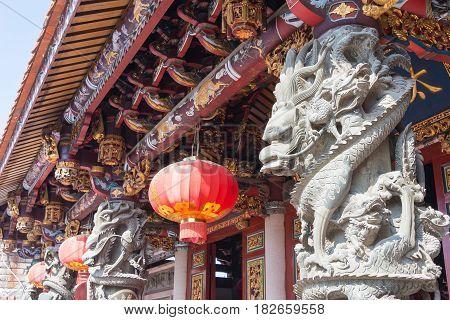 Fujian, China - Dec 28 2015: Dragon Sculpture At Yuanmiaoguan Taoist Temple. A Famous Historic Site