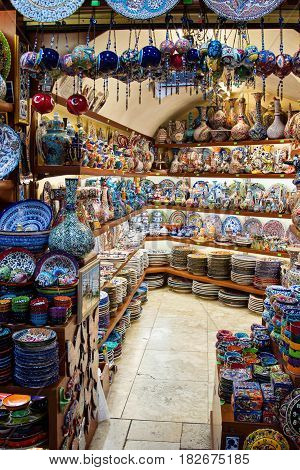 Ceramics store at Grand bazaar in Istanbul vertical view