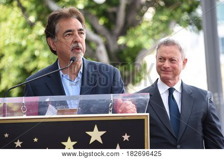 LOS ANGELES - APR 17:  Joe Mantegna and Gary Sinise Walk of Fame Honors Gary Sinise on April 17, 2017 in Hollywood, CA