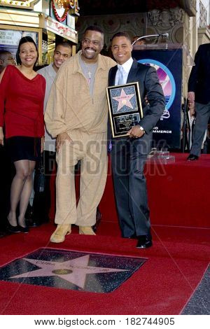 LOS ANGELES - JAN 17:  Cuba Gooding Sr, Cuba Gooding Jr at the Cuba Gooding Jr.  Star Ceremony at Hollywood Walk of Fame on January 17, 2017 in Los Angeles, CA