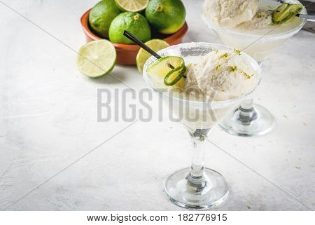 Cocktail Floating Margarita