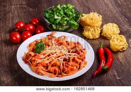 Chilli Meat Paste. Tagliatelle With Beef And Tomatoes