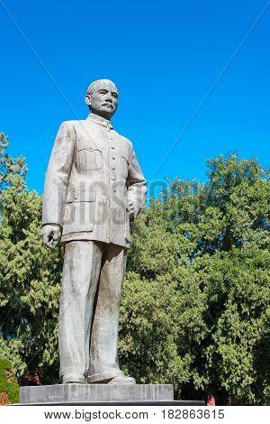 Beijing, China - Oct 11 2015: Sun Yat-sen Statue At Zhongshan Park. A Famous Historic Site In Beijin