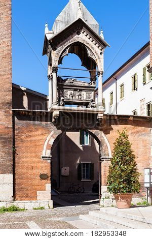 Arch With Tomb In Church Sant Anastasia In Verona