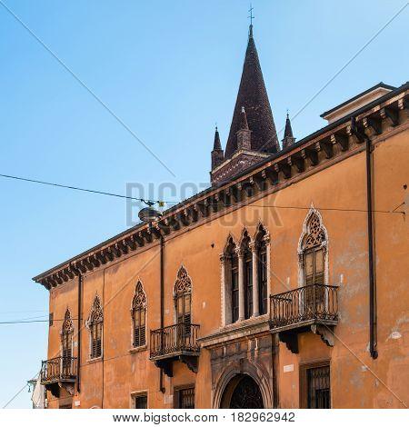 House And Tower Of Chiesa Di San Fermo Maggiore