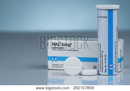 Chonburi, Thailand-october 17, 2018 : Nac Long Effervescent Tablets And Tube Drug Container On Gradi