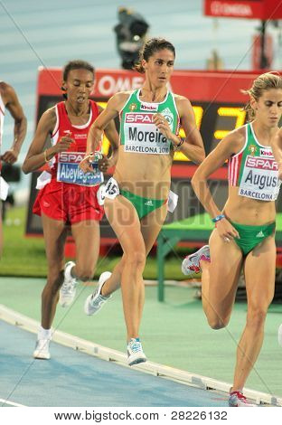 BARCELONA - 1 de AUG: Sara Moreira de Portugal durante 5000m mujeres Final de la XX European Athletics