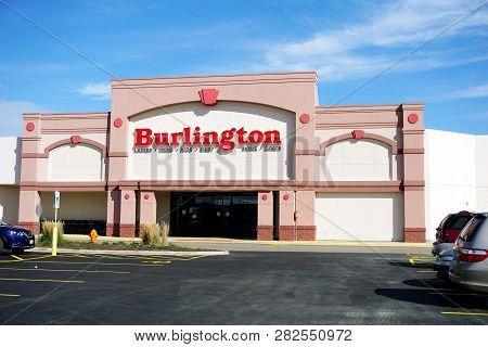 Naperville, Illinois / United States - October 5, 2017: Burlington Sells Clothing, Home Goods, Jewel