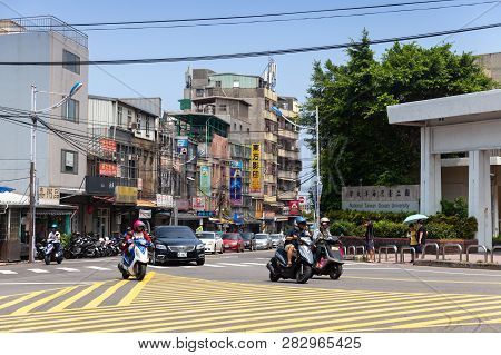 Keelung, Taiwan - September 5, 2018: Street View Of Keelung City At Day, Ordinary People Walk And Ri