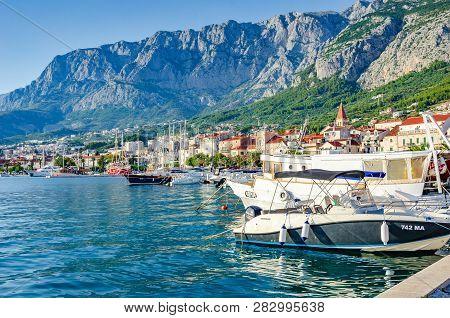 Makarska Riviera, Croatia - 10 July, 2017: Boat On The Pier In The Resort Town Of Makarska, Croatia.