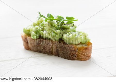 Healthy Sandwich  With Avocado  And Micro Green. Vegan Sandwiches, Vegan Food, Healthy Eating, White