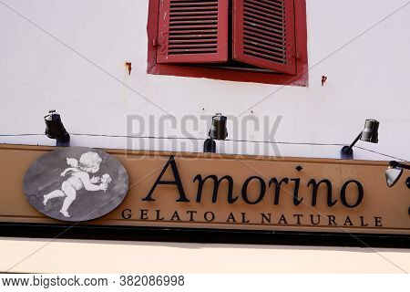 Bordeaux , Aquitaine / France - 08 16 2020 : Amorino Logo Sign Of Italian Cafe Of Gelato Icecream Co