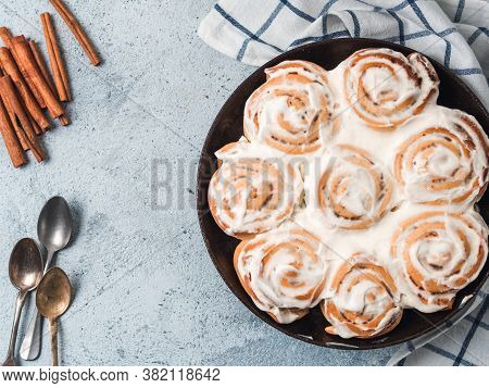 Idea And Recipe Pastries - Perfect Cinnamon Rolls With Topping, Top View In Skillet. Vegan Swedish C