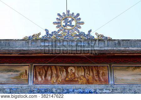 Hue, Vietnam, July 15, 2020: Detail Of The Decoration Of The Chùa Thiên Mụ Pagoda Temple, Hue, Vietn