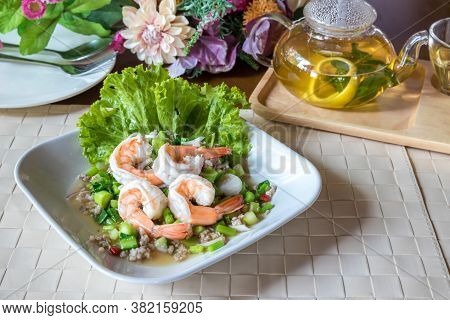 Spicy Kale And Shrimp Salad. Spicy Kale Branch With Shrimp Salad. Shrimp Spicy Salad With Green Kale