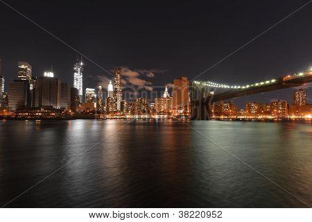 Blick auf downtown Manhattan nach Hurrikan-sandig und Power-Ausfall.
