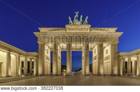 Night View Of Brandenburg Gates Brandenburger Tor In Berlin, Germany