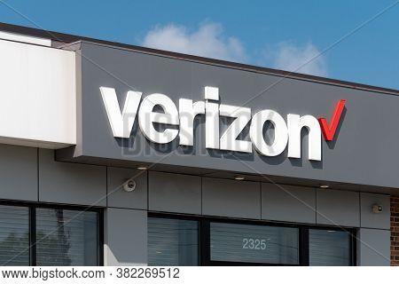 Verizon Retail Store Exterior And Trademark Logo