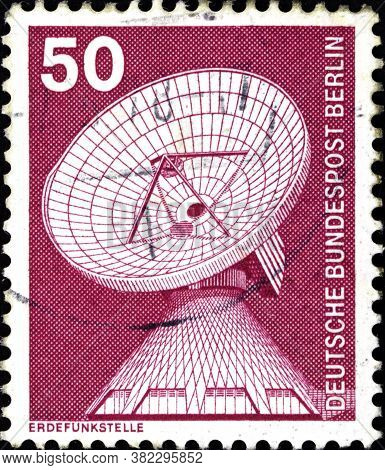 02 11 2020 Divnoe Stavropol Territory Russia The Postage Stamp Germany 1975 Industry And Tecnic Dish