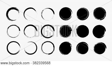 Set Different Grunge Circle Brush Strokes, Design Element. Round Logo Frame, Hand Drawn Elements. Ve