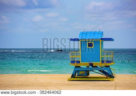 Miami Beach, Florida, Usa Sunrise And Life Guard Tower. Miami Beach, Florida